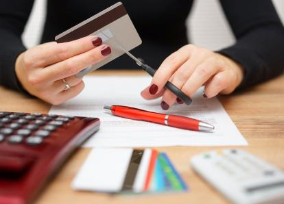 Consejos que pueden ayudarte a salir de tus deudas con más rapidez