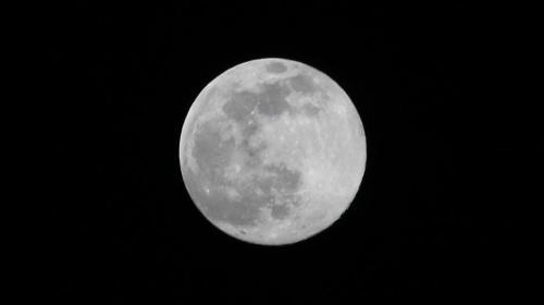 Superluna y lluvia de estrellas iluminarán el cielo este domingo