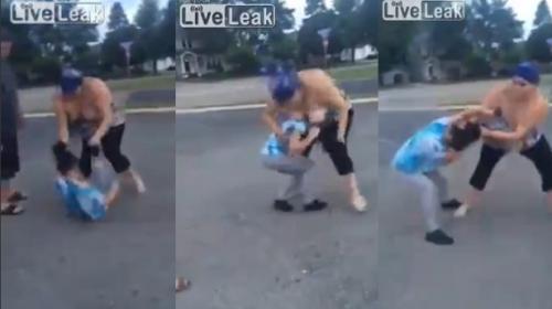 """Una mujer víctima de """"bullying"""" arrastra por el suelo a su acosadora"""