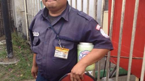 Policía detiene a hombre que pedía dinero haciéndose pasar por bombero