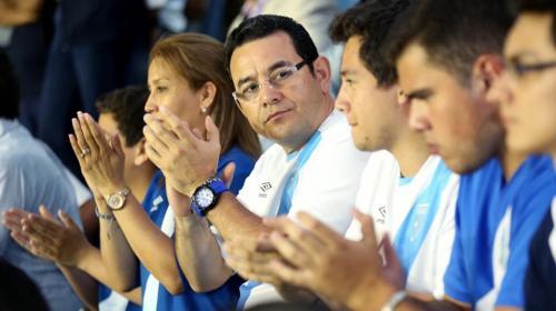 Jimmy Morales se une a críticas contra el periodista David Faitelson
