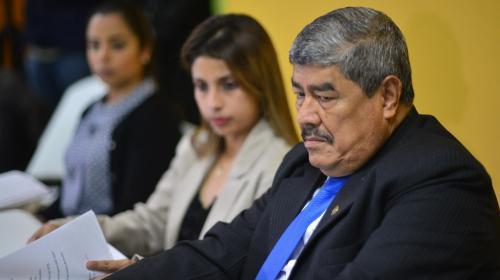 Investigación de La Línea vincula a contralor Carlos Mencos con la red