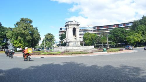 Municipalidad anuncia cambio de vías en la Plaza España