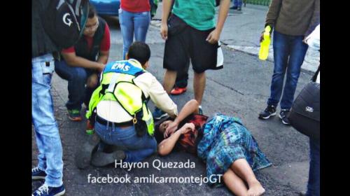 Una mujer se lanza de un bus 203 para evitar que la asalten