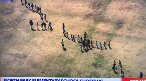 Evacúan una escuela en San Bernardino por tiroteo