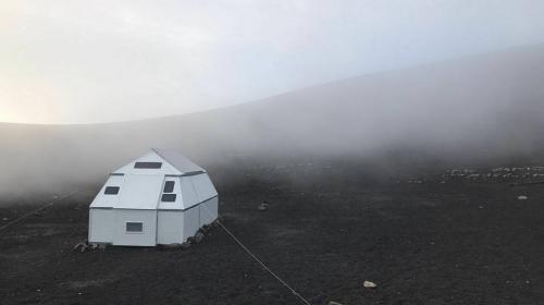 Turistas dañan albergue ubicado en volcán Acatenango