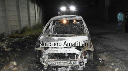 El misterioso caso del taxi que fue quemado en Villa Nueva