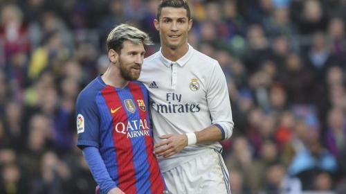 El beso entre Messi y Cristiano Ronaldo que sorprende al mundo