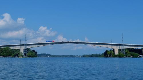 No más fotos sobre el puente de Río Dulce