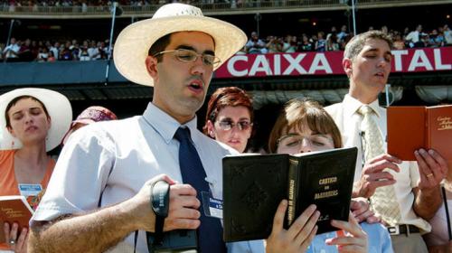 Rusia prohibe a Testigos de Jehová y despierta la polémica en el mundo