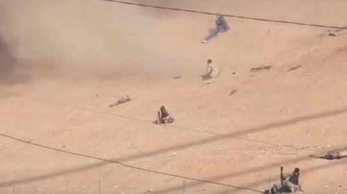 Terroristas graban cómo son atacados por un bombadero