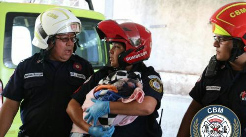 Encuentran a recién nacido en el baño de centro comercial en zona 12