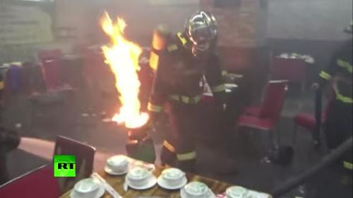 Fuga de gas provoca un incendio y el caos en un restaurante