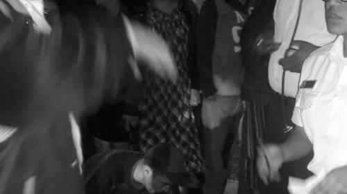Adolescente muere atropellada por bus y pobladores queman el autobús