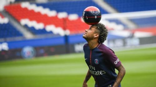 Así demostró Neymar sus habilidades en su presentación con el PSG