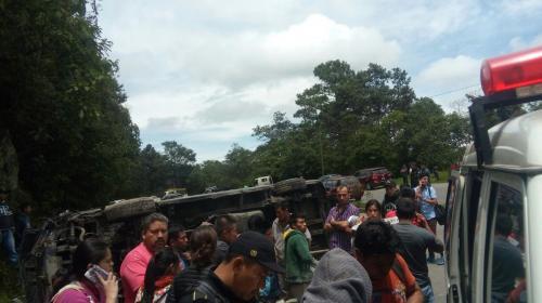 Diez personas heridas en accidente de tránsito en Sololá