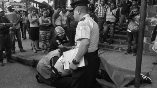 """Balacera en el parque Colón termina con la vida de un """"mototaxista"""""""