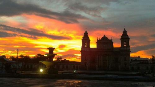 """El cielo """"anaranjado"""" que sorprendió a los guatemaltecos este jueves"""