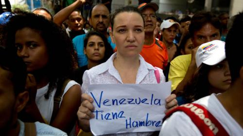 Venezolanos pierden 20 libras en promedio por escasez de alimentos