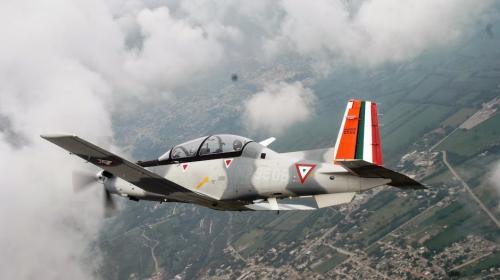 México: pilotos salen ilesos tras choque de dos aviones en pleno vuelo