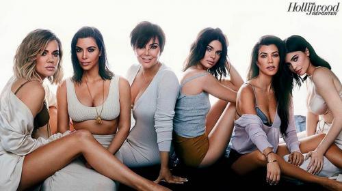 Las 6 Kardashian-Jenner se lucen en su primera portada juntas