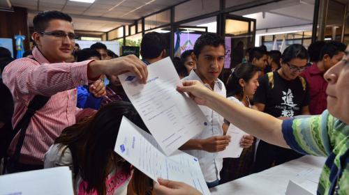 ¿Qué motiva a los jóvenes a buscar becas en el extranjero?