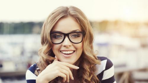 Descubre el estilo de anteojos perfectos para tu rostro