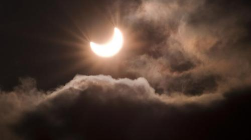 El falso mensaje que se viraliza por el eclipse de Sol