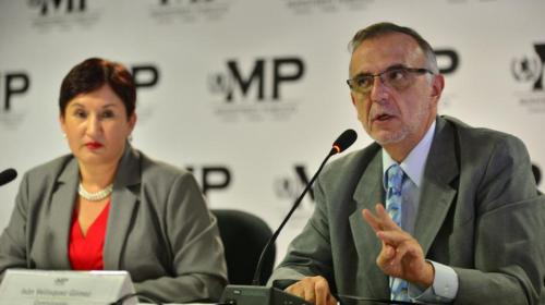 Fiscal dice que renunciará si Iván Velásquez es expulsado del país