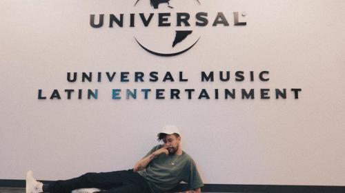 Artista guatemalteco firma contrato con la disquera Universal Music