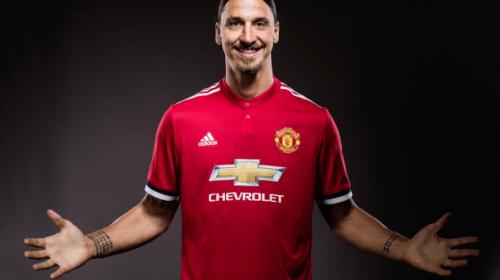 Ibrahimovic está de vuelta y renueva contrato con el Manchester United