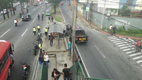 Ataque armado en el Periférico deja a un agente municipal muerto