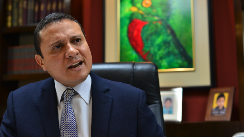 Jimmy Morales destituye a Carlos Raúl Morales como canciller