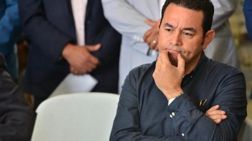 Empresarios buscan solución a crisis política con Morales — Guatemala