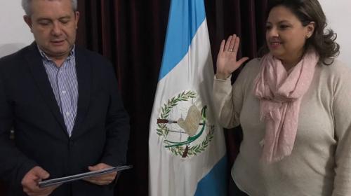 Nueva canciller enfrenta proceso legal por adopción irregular