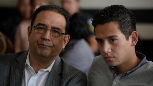 Hermano e hijo de Jimmy agotan recursos para evitar juicio
