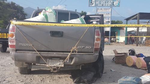 Localizan un vehículo que transportaba explosivos de alto poder