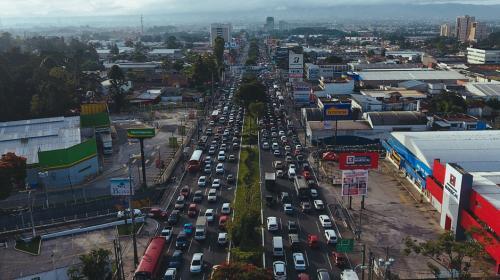 """Impresionante video: así viven los guatemaltecos la """"hora pico"""""""