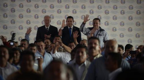 Alcaldes cierran filas y muestran apoyo a Jimmy