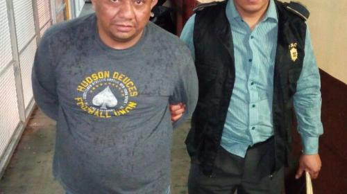 """Capturan a """"El Zombi"""", un salvadoreño acusado de saquear viviendas"""