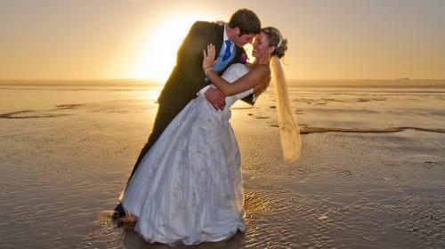 Este es el tiempo que las parejas modernas esperan para casarse