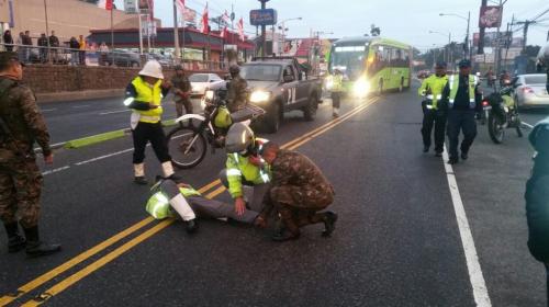 Vehículo militar atropella a un agente de la PMT en la Aguilar Batres