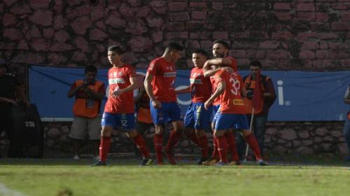 Municipal derrota 2-0 a Guastatoya y está en las semifinales