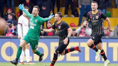Portero anota un espectacular gol a último minuto y empata un partido