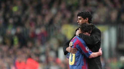 El reencuentro de Messi y Rijkaard en Barcelona
