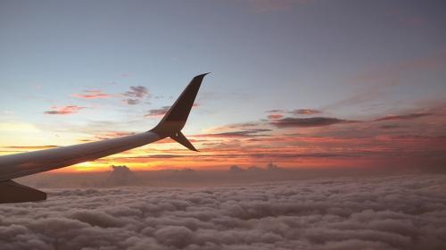 Esta es la razón por la que es mejor abordar un vuelo en la madrugada