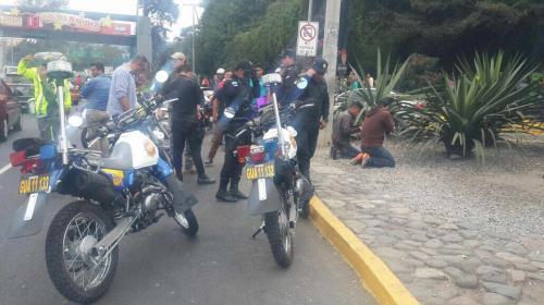 Ciudadanos detienen a presuntos motoladrones en la zona 13