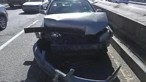 Viernes de accidentes: vehículos derribaron seis postes en 17 choques