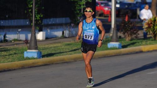 Uriel Barrondo, hermano menor de Erick, rompe récord y obtiene el oro