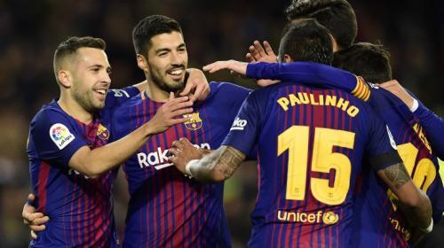 El Barça golea al Dépor y se distancia en la tabla antes del Clásico